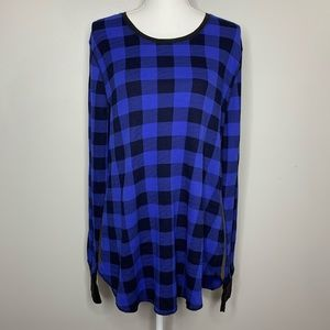 Old navy blue and black buffalo plaid thermal